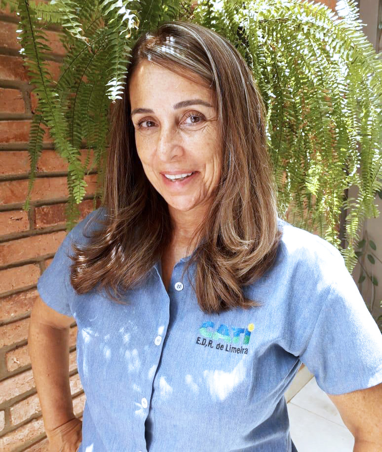 engenheira agrônoma Carla de Meo, extensionista, responsável pela Cati - Limeira