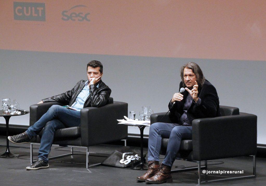 """Massimo Di Felice durante seminário """"Jornalismo: as novas configurações do Quarto poder"""""""