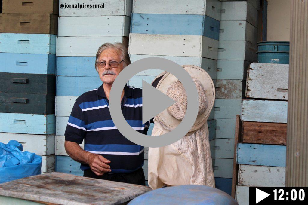 Assinta ao vídeo com Messias Haman apicultor desde 1960