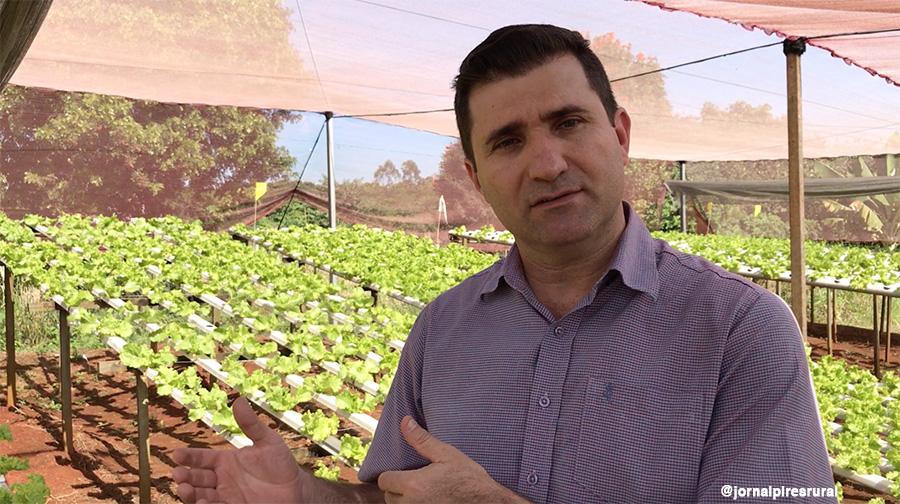professor Fernando Sala, coordenador do curso de cultivo de hortaliças no sistema de hidroponia