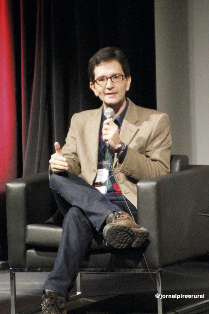 jornalista e professor da Faculdade Cásper Libero, Luis Mauro Sá Martino