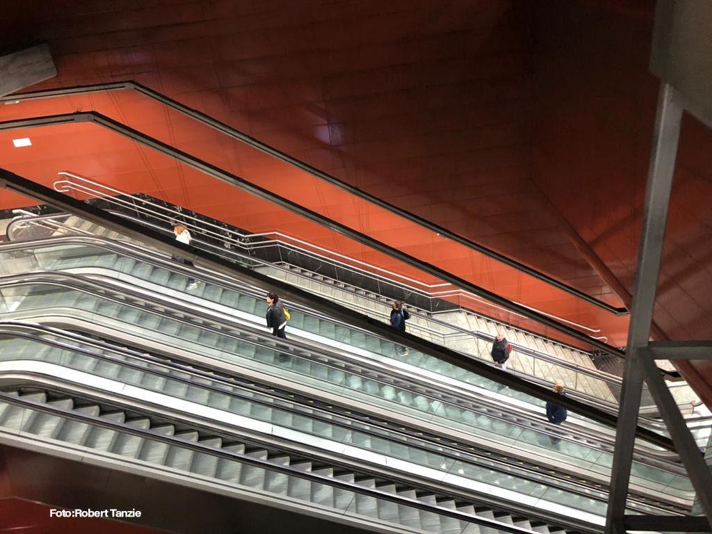 Escadaria do Metro de Madri