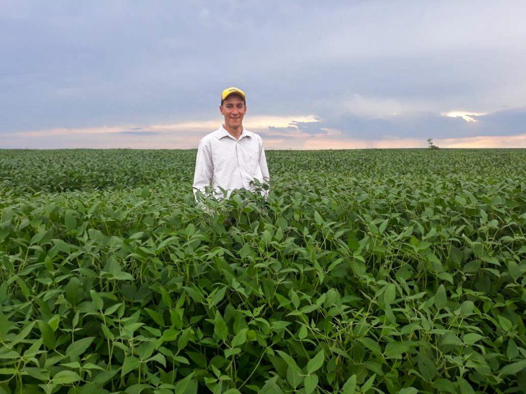 Cássio Henrique Russi, 18 anos, produtor de grãos