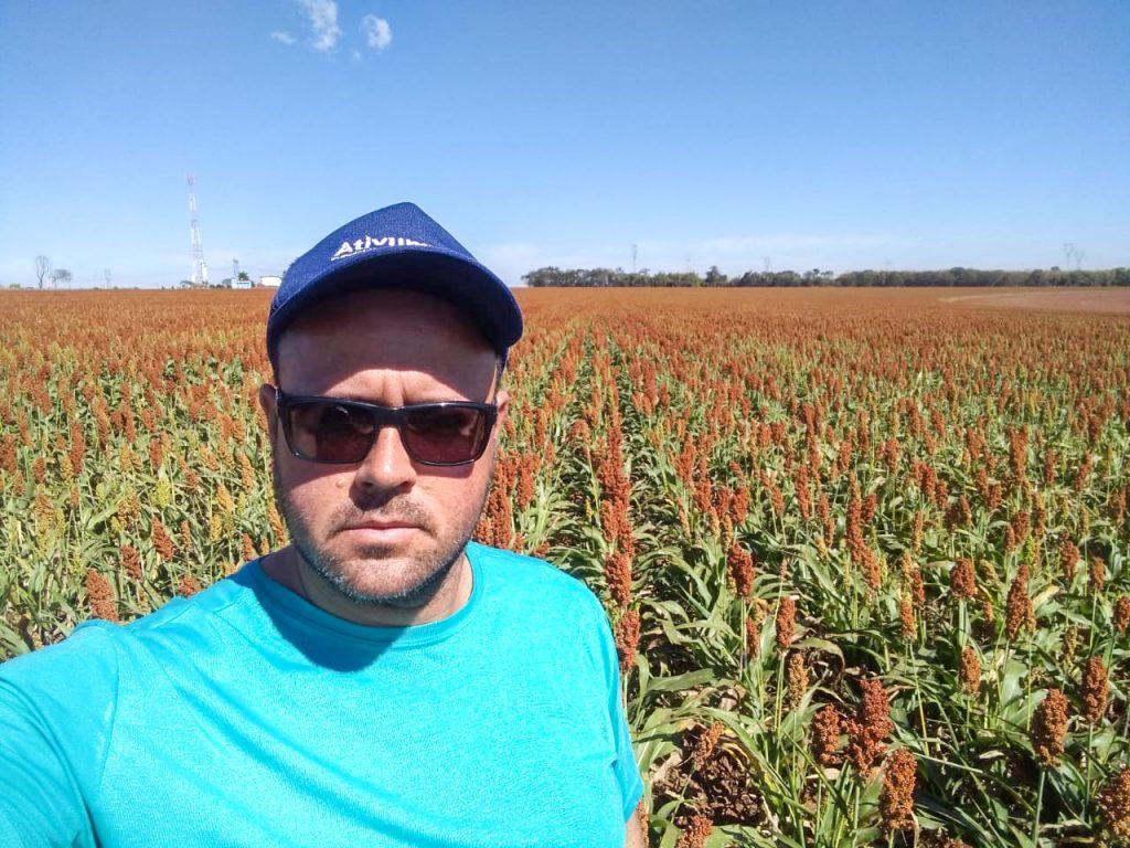 """Junior Ribeiro de Mello, de Limeira, 38 anos, """"sou agricultor com muito orgulho""""."""